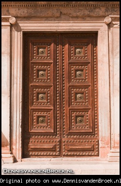 Door to Museo de Bellas Artes