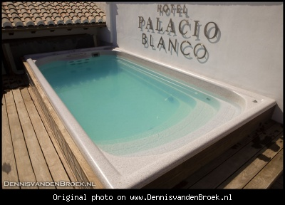 Jacuzzi on roof terrace Hotel Palacio Blanco