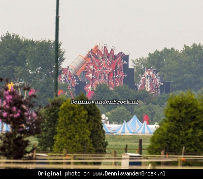 Opbouw mainstage Defqon 1 - 2013