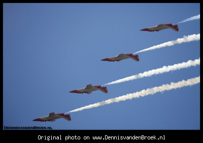Patrulla Aguila ondersteboven