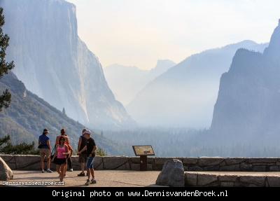 Rokerige Yosemite Valley door bosbrand