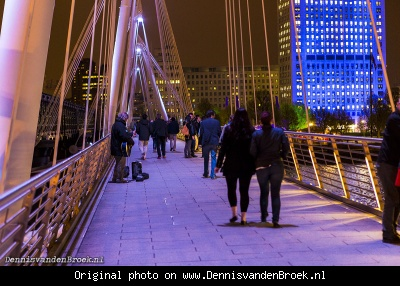 Straatmuzikant op de Hungerford Bridge